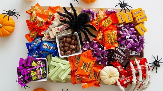 It's Spooky Season: How Will You Celebrate?   #HersheyWalmartHalloween GIVEAWAY
